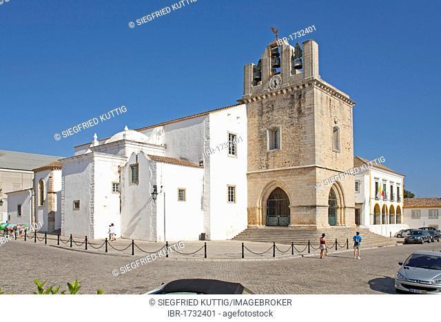 Cathedral of Largo da Sé, historic town centre, Faro, Algarve, Portugal