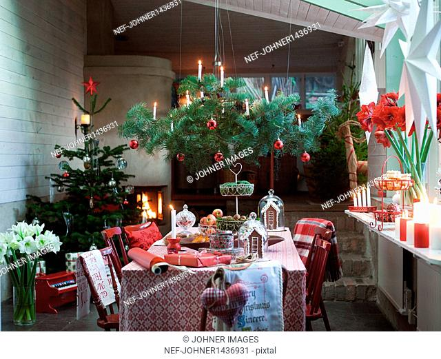 Dining room with Christmas tree and Christmas decorations