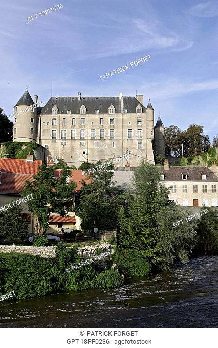 CHATEAU ON THE BANKS OF THE CHER IN CHATEAUNEUF-SUR-CHER, CHER 18, FRANCE