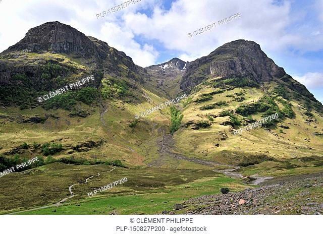 The Coire nan Lochan leading to Bidean nam Biam at Glencoe / Glen Coe, Highlands, Scotland, UK