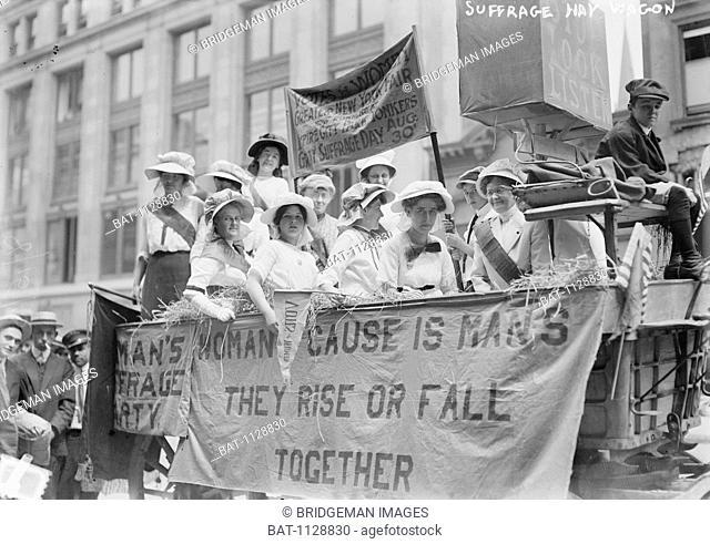 Suffrage Hay wagon, c.1910-5 / Private Collection / Bridgeman Images
