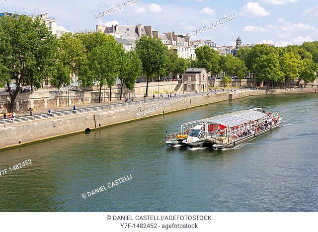 Travel boat on Seine, Paris, France
