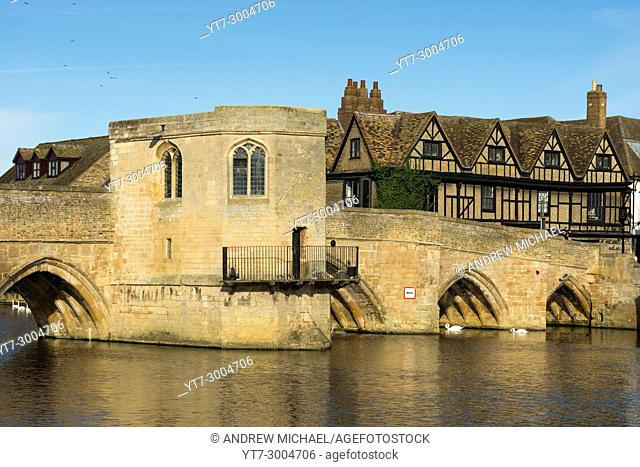 River Great Ouse with the medieval St Leger Chapel Bridge at St Ives, Cambridgeshire, England, UK