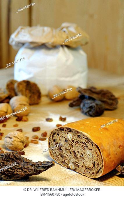 Fruitcake, fruit bread
