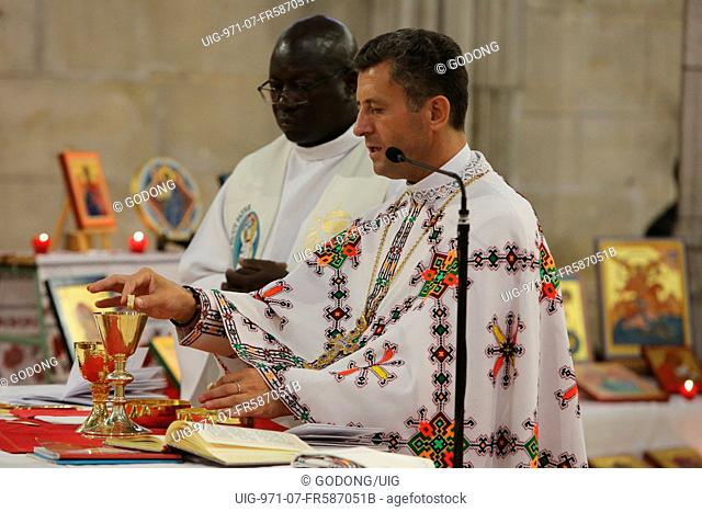 Mass celebrated by a melkite (Greek-catholic) and a catholic priests in Sainte Foy church