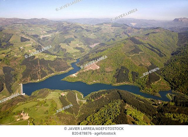 Ibaieder reservoir, Nuarbe, Azpeitia, Guipuzcoa, Basque Country, Spain