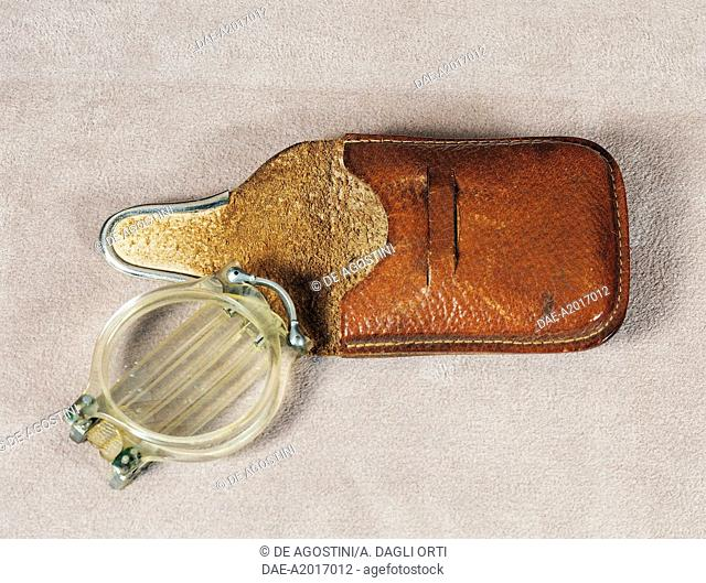 Celluloid spectacles with bridge and folding arms with case. France, early 20th century.  Agordo, Collezioni Ottiche E Occhiali Rathschuler-Luxottica (Glasses...