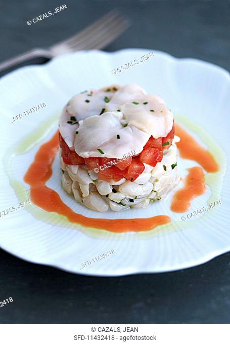 Scallop and tomato tartar with tomato jus