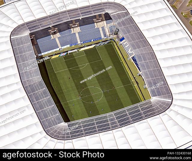 The teams are at a distance from the GES / Soccer / 1. Bundesliga: TSG 1899 Hoffenheim - Hertha BSC Berlin, aerial photo PreZero Arena, May 16