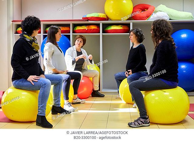 Matron with pregnant women, Antiguo Health Center, Donostia, San Sebastian, Gipuzkoa, Basque Country, Spain