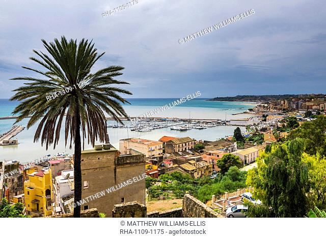 Fishing harbour in the fishing town of Sciacca, Agrigento Province, Sicily, Italy, Mediterranean, Europe