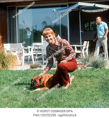 """Lilo Pulver on 3 September 1979 in Walldorf near Frankfurt during the shooting of the TV family series """"""""Timo"""""""", in which she plays a married couple with her..."""