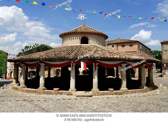 Auvillar  France  Covered Circular Cornmarket