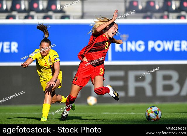 Romania's Olivia Oprea and Belgium's Tessa Wullaert pictured in action during a soccer game between Belgium's Red Flames and Romania