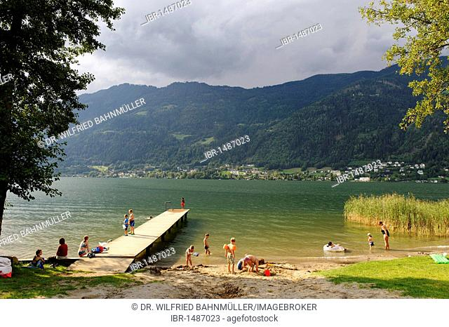 Swimming, Ossiacher See lake, south bank, with Mt. Gerlitzen, Carinthia, Austria, Europe