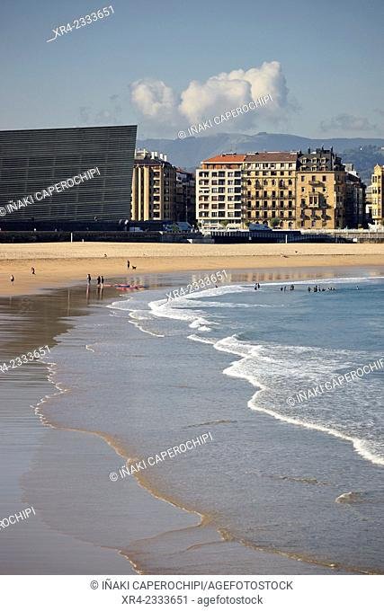 Zurriola Beach, Donostia (San Sebastian), Gipuzkoa, Basque Country, Spain