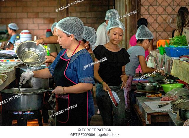 TRADITIONAL HMONG MARKET, THE HMONGS ARE PEOPLE FROM ASIA, VILLAGE OF CACAO, FRENCH GUIANA, OVERSEAS DEPARTMENT, SOUTH AMERICA, FRANCE