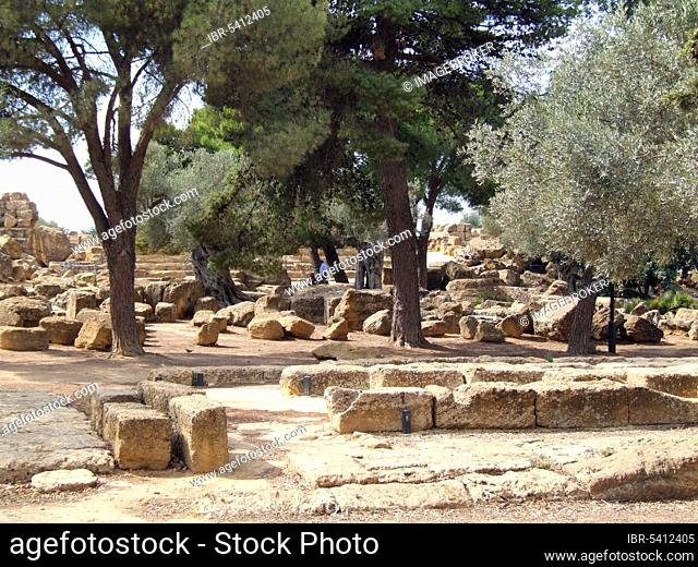 Ruins of the Temple of Zeus, Valley of the Temples, Agrigento, Sicily, Tempio di Giove Olimpico, Italy, Europe