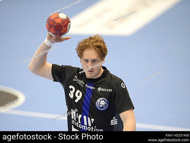 Lukas STUTZKE (BHC) action handball 1st Bundesliga, 28th matchday, TUSEM Essen (E) - Bergischer HC (BHC) 22:32, on 05.05