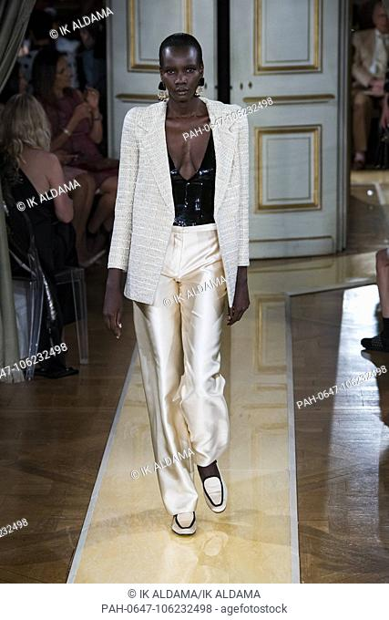 Giorgio Armani Prive runway during Haute Couture July 2018. Autumn - Winter 2018-19 Collection. Paris, France. 03/07/2018 | usage worldwide