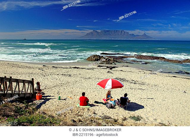 Tourists on the beach, Bloubergstrand beach, Table Mountain at back, Cape Town, South Africa, Africa