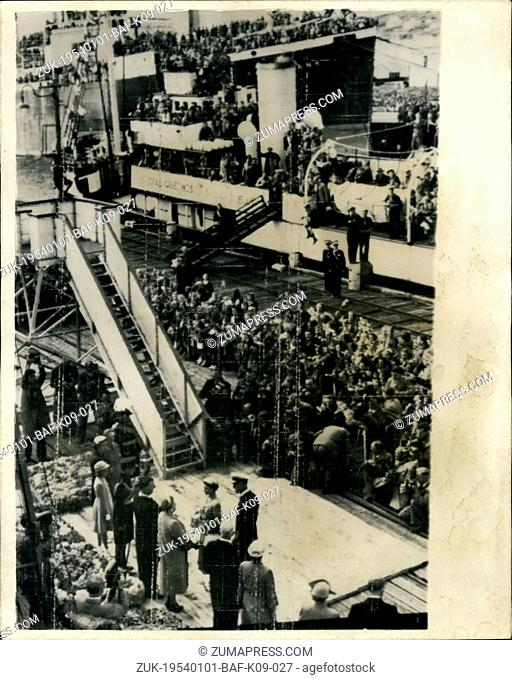 Jan. 01, 1954 - Queen And Duke Of Edinburgh Leave New Zealand Aboard The Gothic - For Australia. Photo show General view of the scene on the Quayside at Bluff -...
