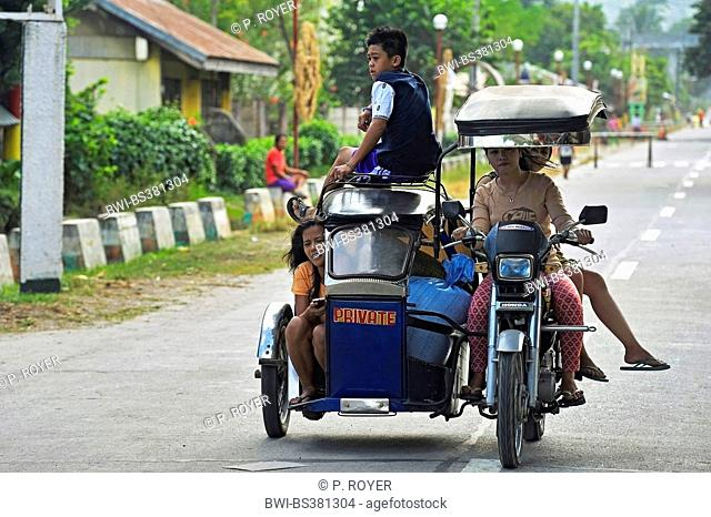fully loaded motor bike with side car, Philippines, Luzon, Banaue