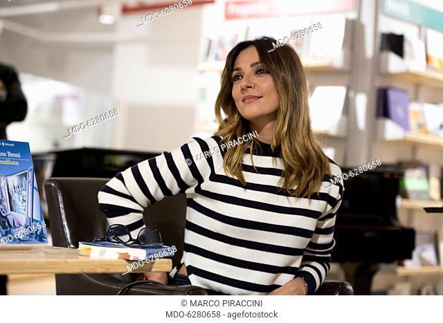 Ambra Angiolini presenting the new book of Stefano Benni Prendiluna at laFeltrinelli. Milan, 11th May 2017