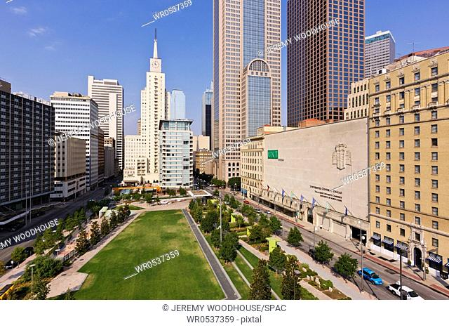 Main Street Garden Park in Downtown Dallas
