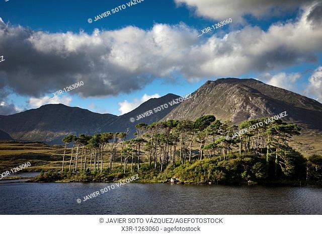 Derryclare Loughin Connemara region, Ireland
