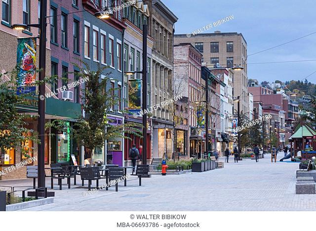 USA, New York, Finger Lakes Region, Ithaca, downtown buildings