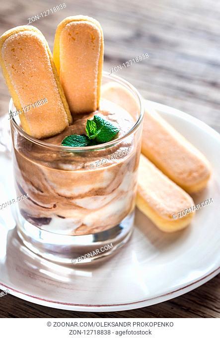 Tiramisu in the glass bowl
