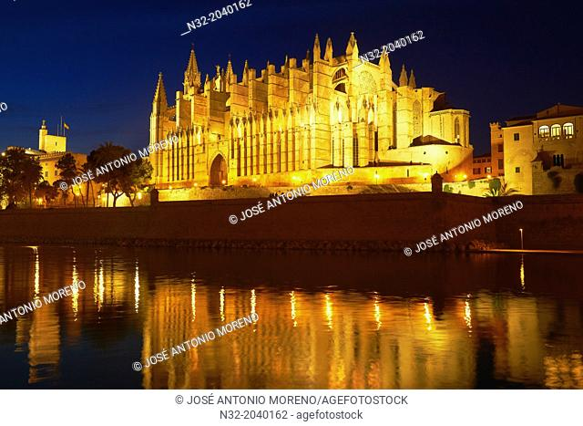 Palma de Mallorca, Almudaina Palace, Cathedral, La Seu cathedral, Palma, Majorca, Balearic Islands, Spain, europe