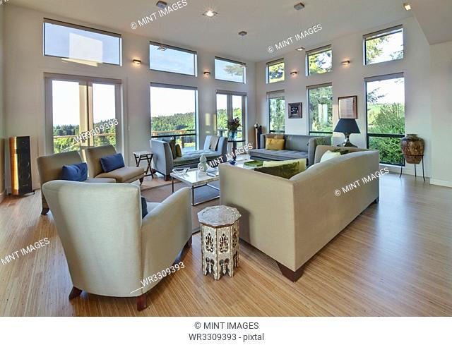 Spacious Upscale Living Room