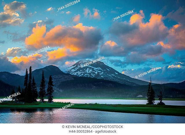 Images from Sparks Lake in the Deschutes National Forest near Bend, Oregon