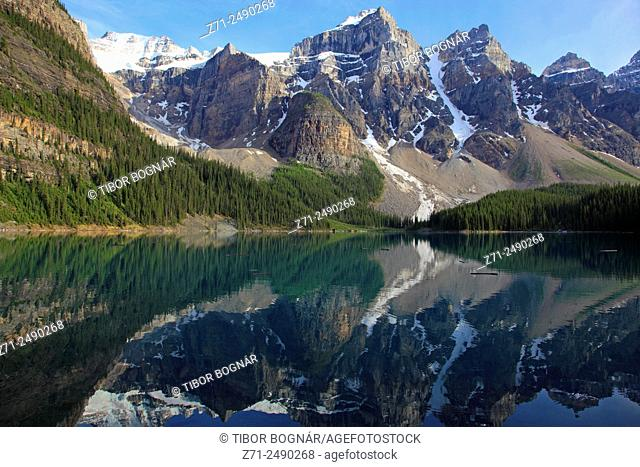 Canada, Alberta, Banff National Park, Moraine Lake, Rocky Mountains