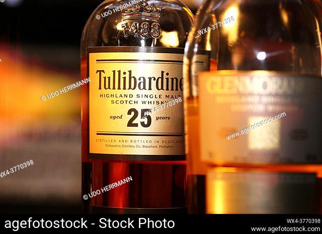 Close up of bottle of Whiskey Tullibardine Single Malt 25 Years