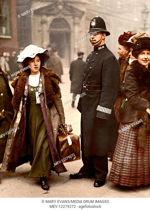Suffragette Mabel Capper was arrested in Bow Street in 1912. She wears the colours of the WSPU, with a purple, white and green medal ribbon