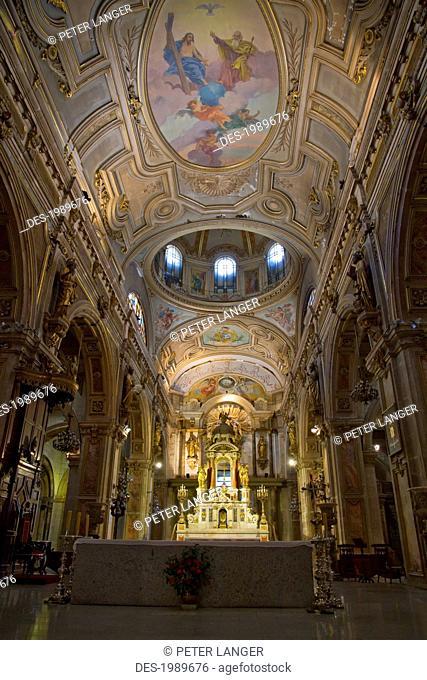 Central nave of the Metropolitan Cathedral, Santiago, Metropolitan Region, Chile