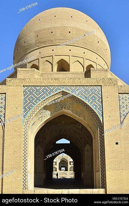 Iran, Kashan, Agha Bozorg mosque (18th C)