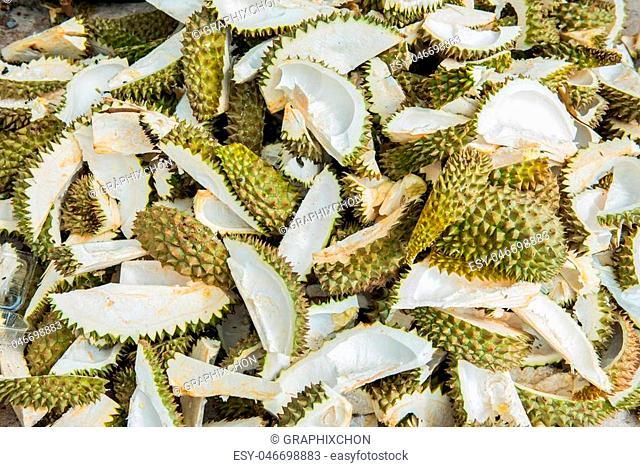 Durian peel Prepare to make fertilizer
