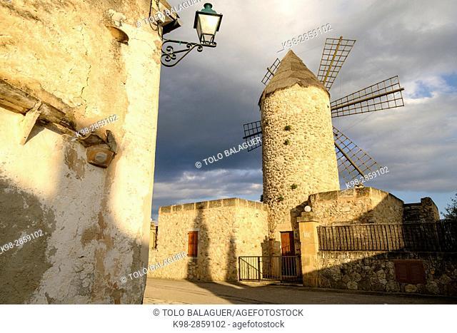 molino harinero tradicional, Sineu, Mancomunidad del Pla, Mallorca, balearic islands, spain, europe