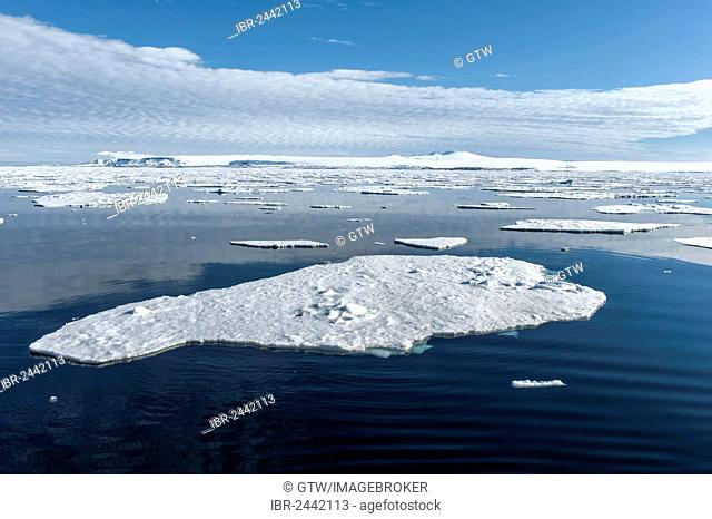 Ice floes, Hinlopen Strait, Svalbard Archipelago, Arctic Norway, Europe