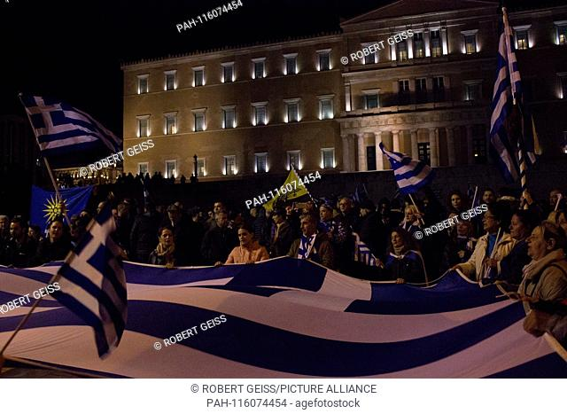 Greeks with Greek flag in front of parliament during protest against name change FYROM in northern Macedonia. 24.01.2019 | usage worldwide