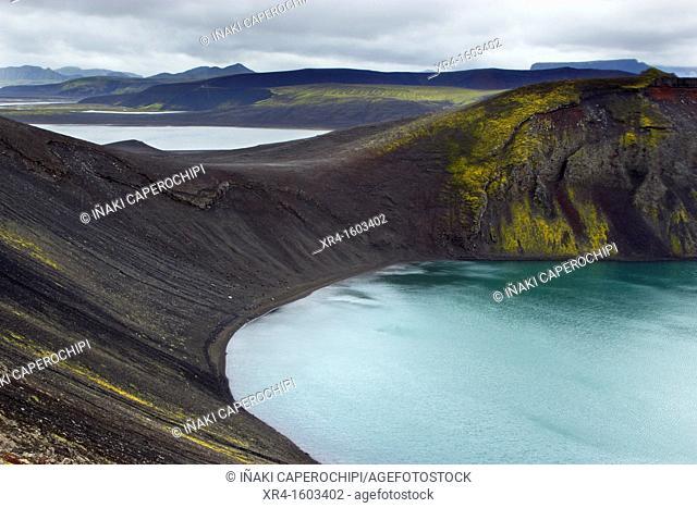 Blahylur crater lake, Landmannalaugar, Fjallabak Nature Reserve, Iceland
