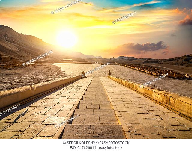 Temple of Queen Hatshepsut, View of mountains