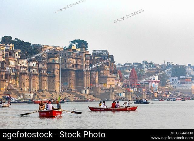 Sunrise boat trip on the Ganges, Varanasi, Uttar Pradesh, India