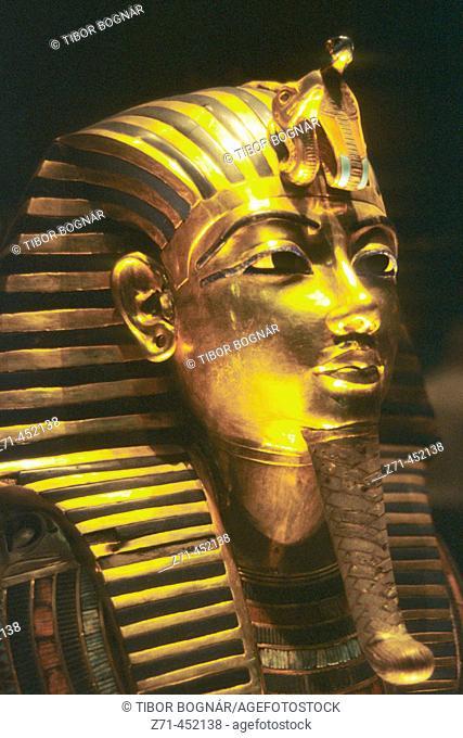 Golden mask of Tutankhamen, Egyptian Museum. Cairo, Egypt