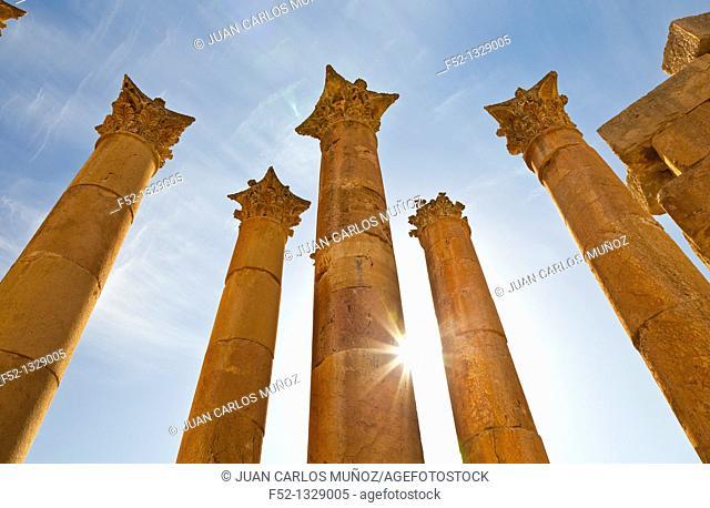Temple of Artemisa or Diana, Greco-Roman city of Jerash, Jordan, Middle East