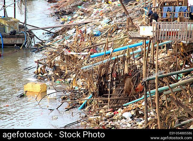 Trash problem in Phnom Penh, 18, Bassak River, Cambodia